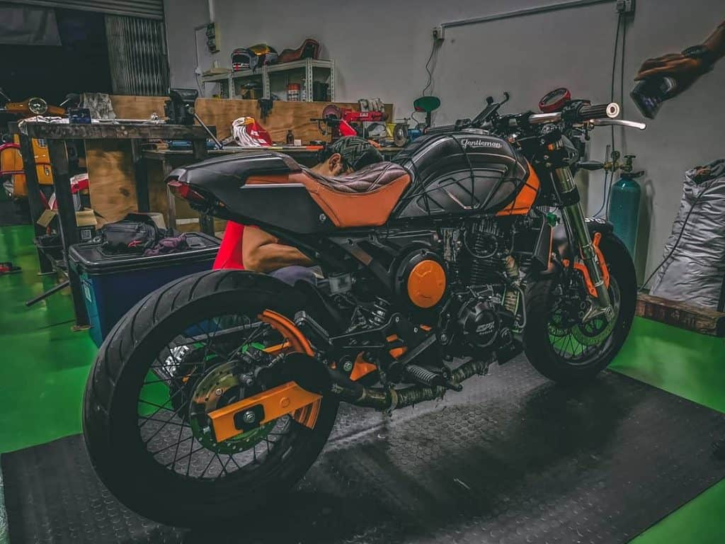 custom orange gentleman 200 cafe racer